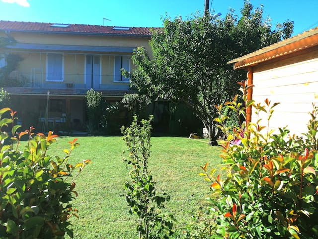 Maison de ville avec jardin en Haute Provence