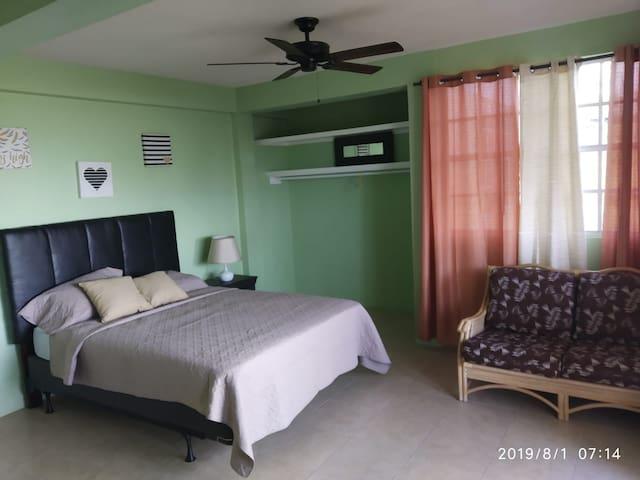 Citronella Comfort (Room 2)