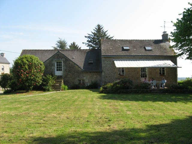 Peaceful countryside cottage - Lignol - Bed & Breakfast