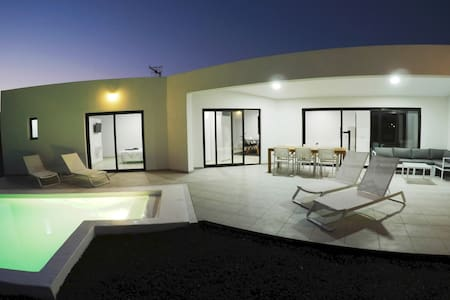 DUDI House; New luxury house with heated pool