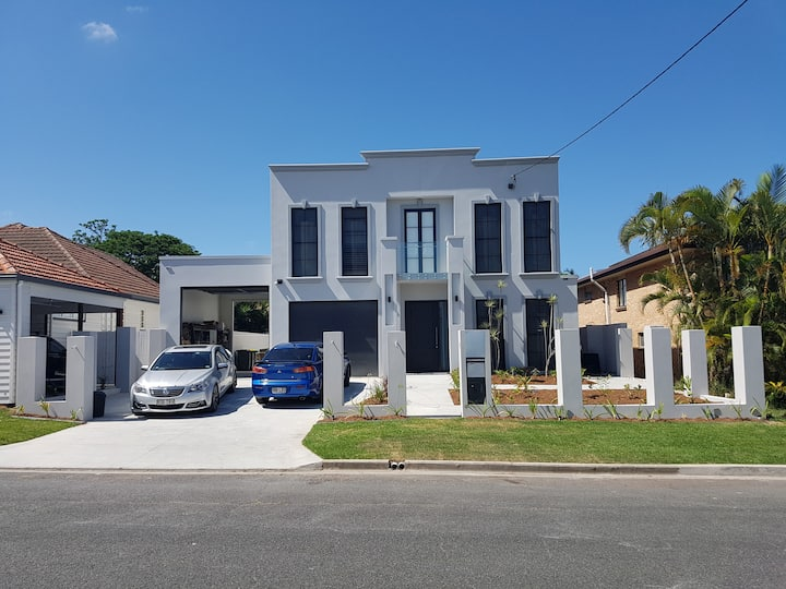 Clarevale - a beautiful 2018 built house in Kedron