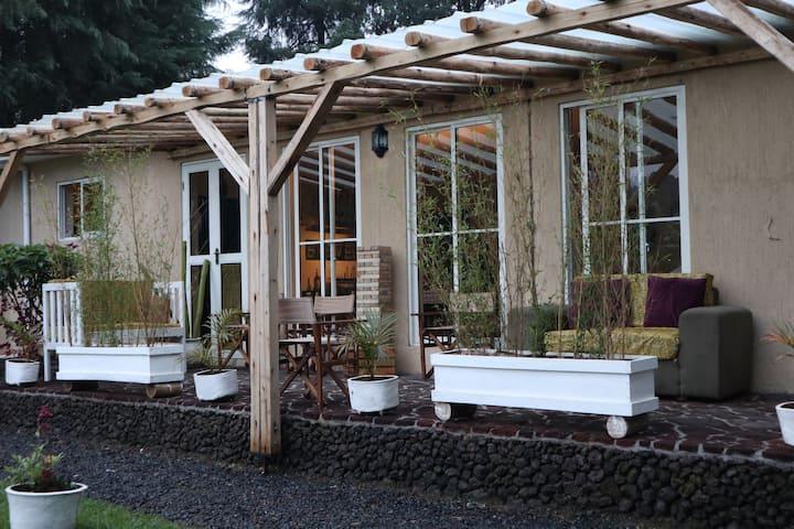 Mucha Riverside Lodge