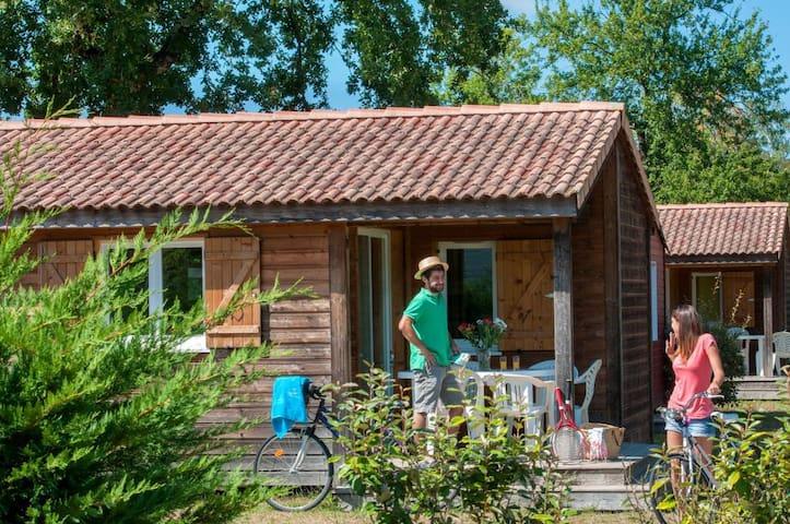 Mobil-Home pour 4 au calme, accès piscine, sauna