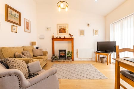 Old Dairy 1  - Luxury, Dog Friendly Cottage For 2