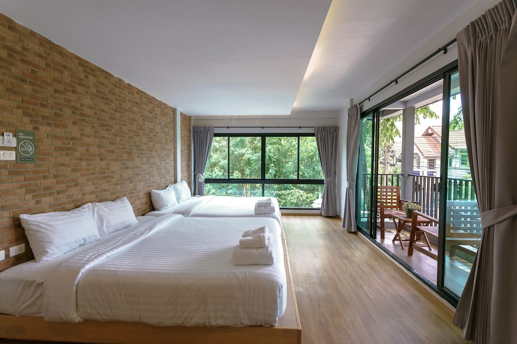 You get 1 big room with 2 king size bed,extra large bathroom, private living room.