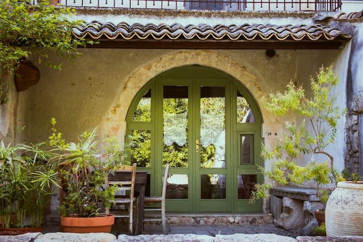 """""""Casa dell'Arco"""" bio agriturismo"""