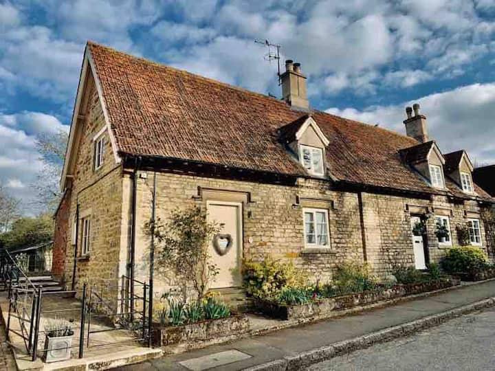 Stunning Romantic Cottage