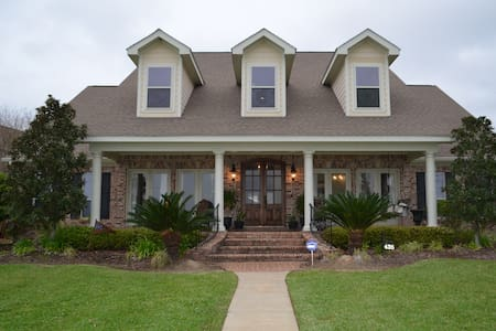435, A Beachfront Rental. - Ocean Springs - Huis