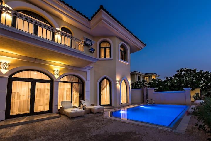 XANADUBAI-BEACH VILLA 5 bed, pool, car+driver+maid