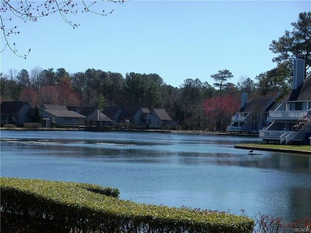 Lakefront slps 6; beach, pools, tennis, gym, view! - Bethany Beach - Társasház