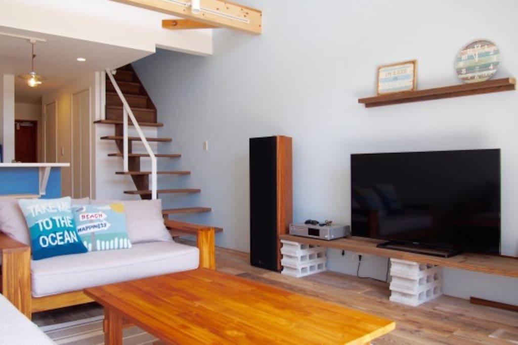 Living Room!Please enjoy pleasant sound! 気持ち良い音で音楽・DVDをお楽しみください。