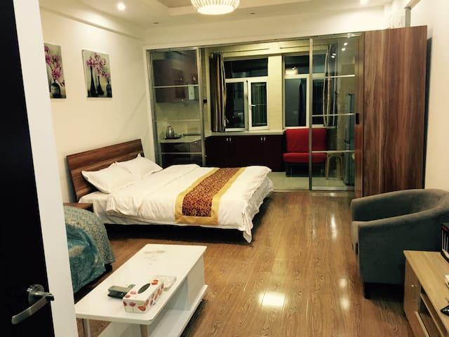 长春金领时代公寓(红事会)豪华经典套房 - 长春 - 公寓