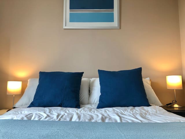 Cozy Double Room short walk to the River Thames