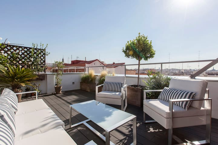 Luxury Penthouse with Terrace: The Sky of Madrid