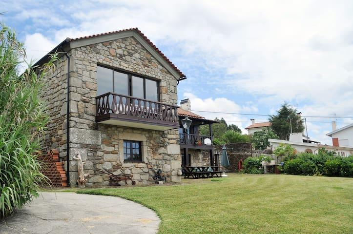 Cancela (Gate House )