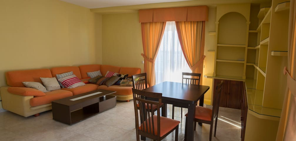 Perfect flat for visiting Madrid & Toledo