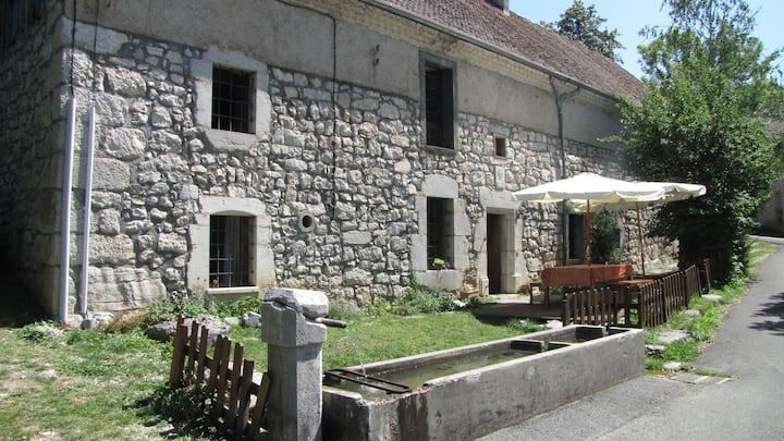 Ancienne ferme rénovée dans le Vercors (TRIEVES)