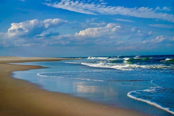 """""""Coastal Dreams"""" 1 BR Bed And Breakfast"""