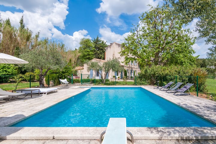 Beautiful Villa in Paradou with Swimming Pool