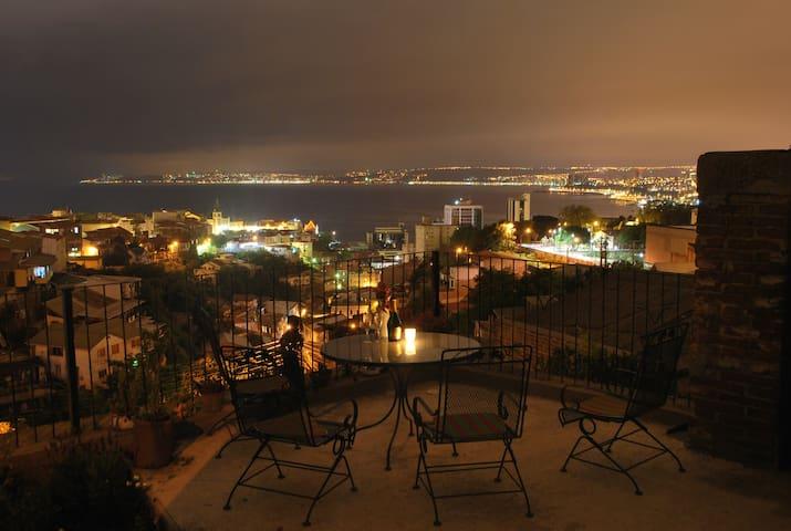Awesome view, Valparaiso Terrace - Valparaiso - House