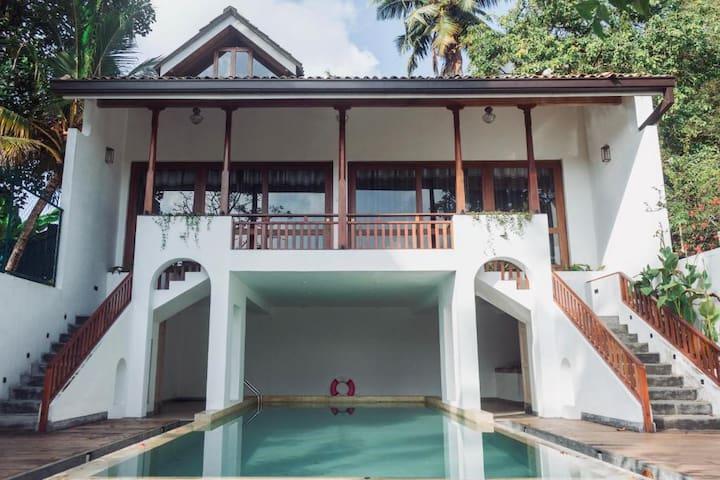 Villa De JoJo