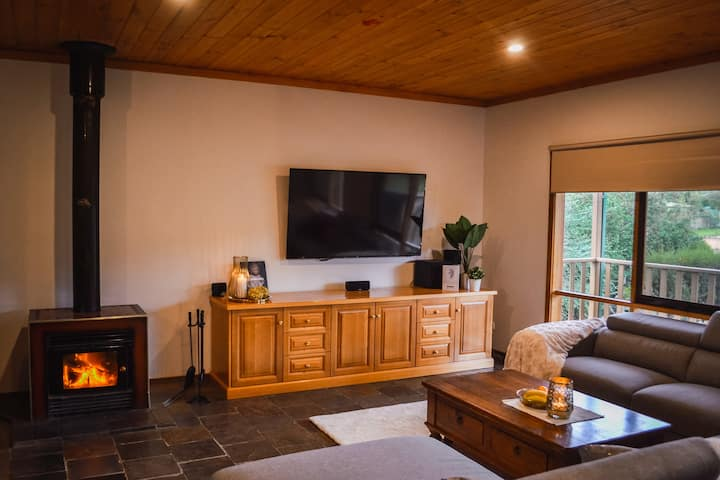 """Shaw Thing Lodge"": Wifi, Foxtel, Pet Friendly"
