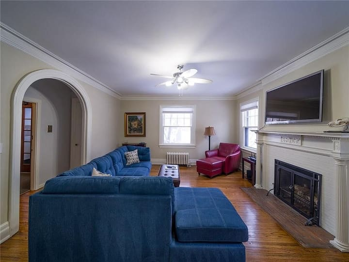 Furnished Apartment in Park Ave