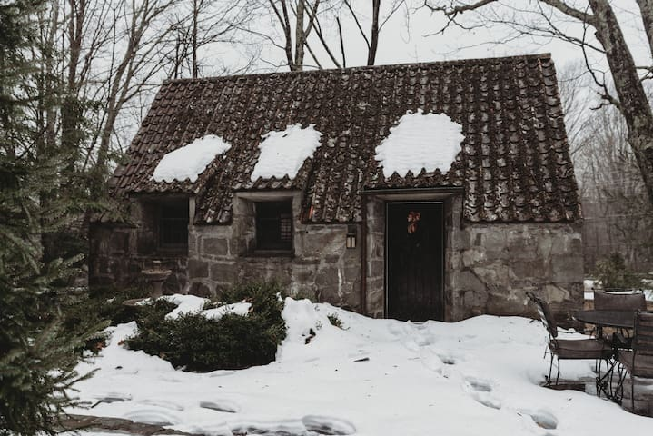 The Highland Hideaway at Chateau DuMont