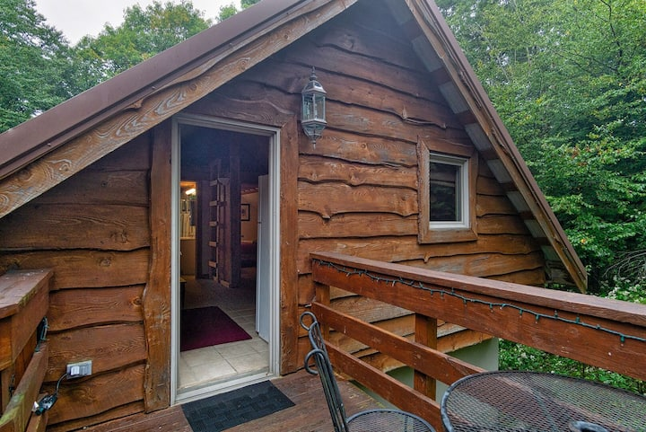 South Westridge 47GH - Snow Flurry Cabin adjacent to The spacious 47 Home