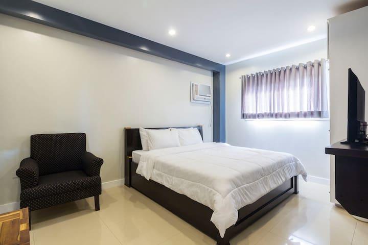 Homestay Ilihan Grey room