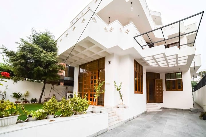 The villa , a home stay (1 room)
