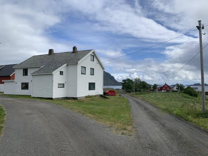 Hus sentralt i landlige og rolige omgivelser