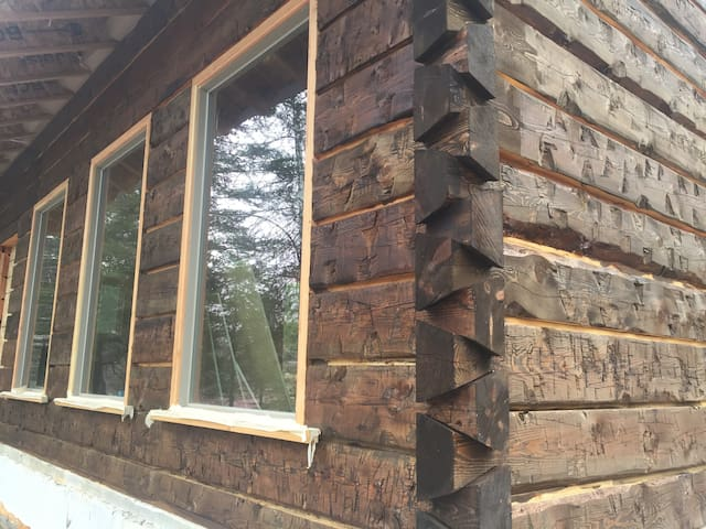 Brand New Custom Home(in progress) 10min. from GNP - Columbia Falls - Cabin
