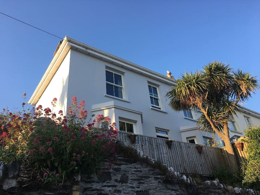 Fountain Cottage- original Cornish cottage from 1888 with all the modern comforts inside.