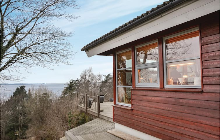 Holiday cottage with 4 bedrooms on 145m² in Frederiksværk