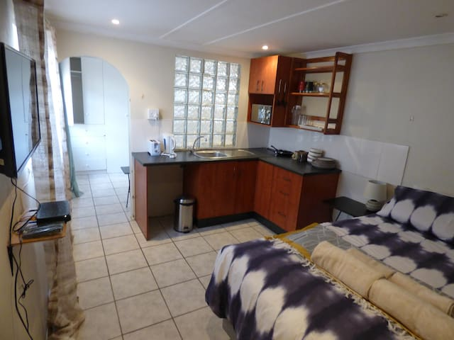 Daisy Lodge Flatlet - Berea - Guesthouse