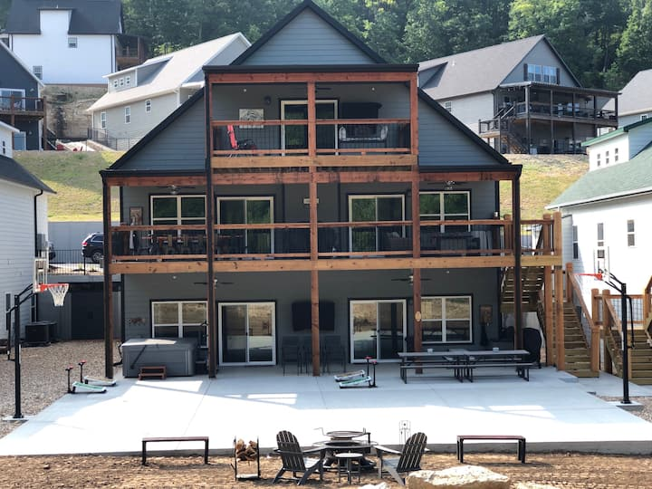 Game Day Lodge 10b/9ba New Construction in Branson
