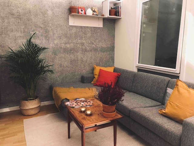 Cosy apartment with balcony in NV!