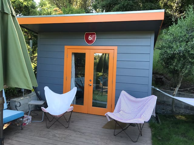 Glamping in a Small Cozy Garden Studio