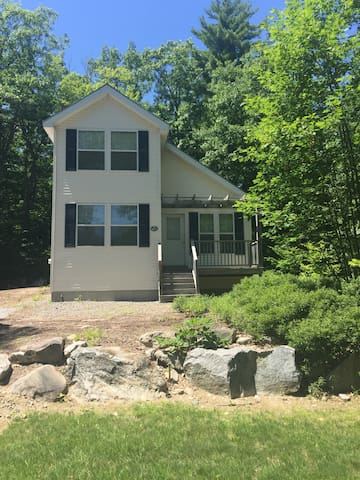 Beautiful Resort Home in Casco Maine, 2br/2ba