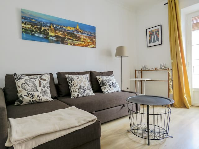 2. FERIA 2.(3Bedrooms,1sofabed,WIFI,balcony)