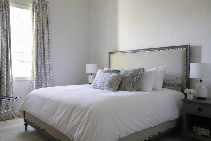 Pearl Suite Bedroom