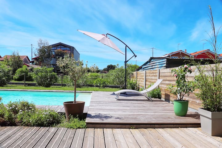 Beautiful villa with pool in the Bassin d'Arcachon