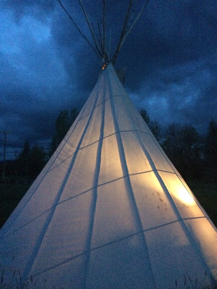 Tipi: Teepee: SlabTown Lair With Hot H20 Shower