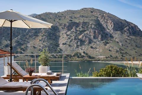Villa Amelia-Bluefairy Villa with lake & sea views