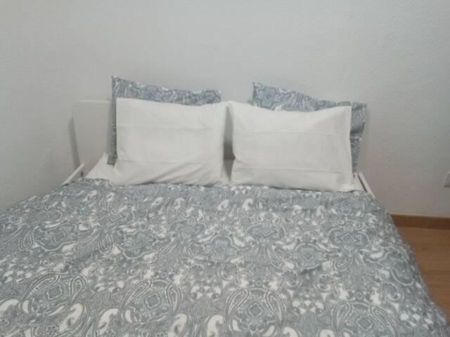 Bedroom Center-Habitación Malasaña