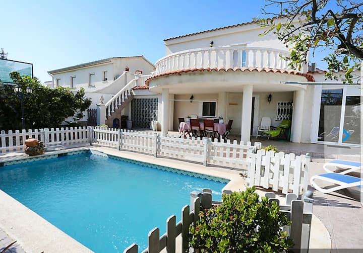 Casa con piscina privada en la playa de Cambrils