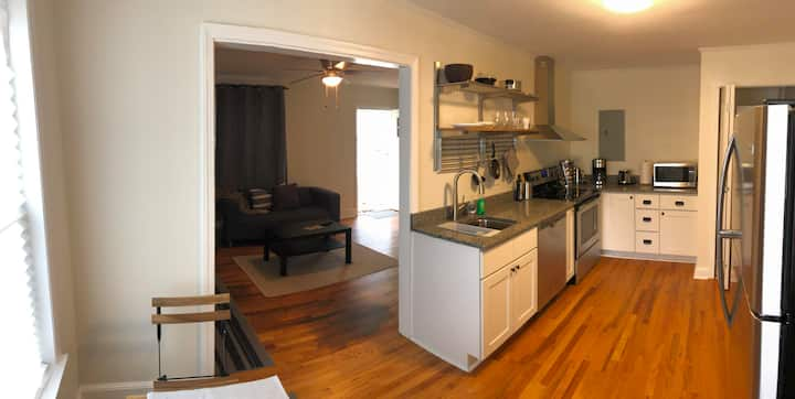 Renovated Cottage Minutes From Downtown