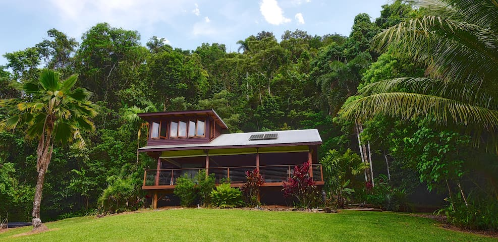 Noah Creek Eco Huts: The Ridge House