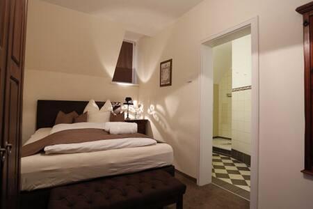 Einzelzimmer in der Villa Hierschel (Zimmer 8)